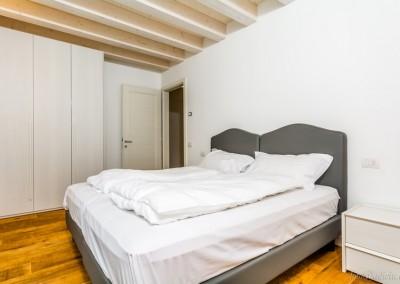 E' possibile scegliere tra due tipologie di cuscino, a seconda delle preferenze: morbido e rigido.